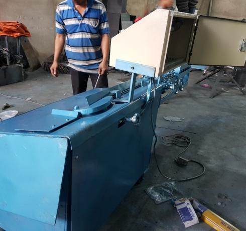 Máy bẻ đai sắt cải tiến
