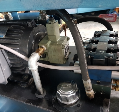 Bộ nguồn thủy lực (thùng dầu)