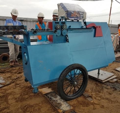 Máy bẻ đai sắt có bánh xe