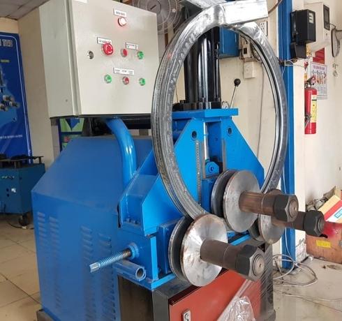 Máy uốn ống 3 trục dạng thủy lực