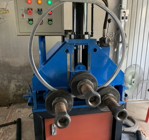 Máy uốn ống tròn, hộp vuông, sắt V dạng thủy lực
