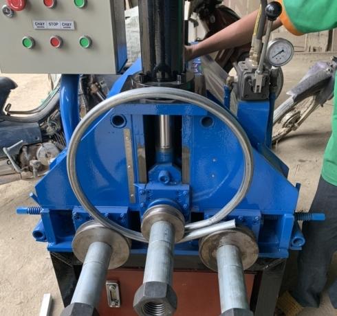 Máy uốn ống thủy lực 3 trục